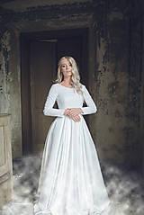 Šaty - Svadobné šaty bez krajky s dlhým rukávom a veľkou sukňou - 11088024_