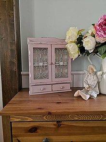 Nábytok - Ružová skrinka - 11086615_