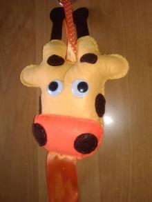 Detské doplnky - Sponkovník - labuť, kvet, lienka, sloník, jednorožec, medúza, mráčik,sova, mačka,korunka pre princeznú, žirafka, srdce (Sponkovník - žirafka) - 11090704_