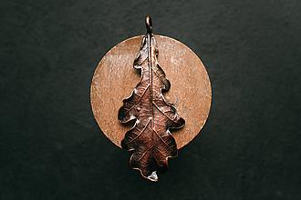 Náhrdelníky - Prívesok dubový list patina - 11090589_