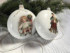 Dekorácie - Vianočná dekorácia - biele medailóny - 11091110_