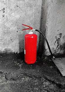Fotografie - Ohnivý hasiaci prístroj - 11090592_