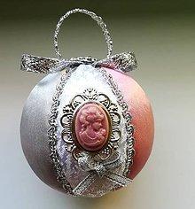 Dekorácie - Vianočná guľa ružová 2 - 11093464_
