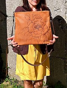 """Kabelky - MILA """"Peony"""" kožená kabelka s vypaľovaným obrázkom - 11094010_"""