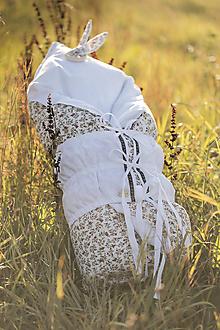 Textil - Kvietkovaná červená PERINKA z peria - 11097906_