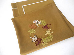 Úžitkový textil - Jeseň v parku (ručne vyšívaný obrus) - 11096249_