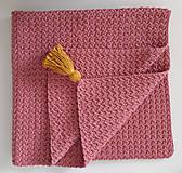 Textil - Ružová deka so zlatým strapcom - 11096399_