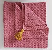 Textil - Ružová deka so zlatým strapcom - 11096400_