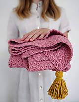 Textil - Ružová deka so zlatým strapcom - 11096401_