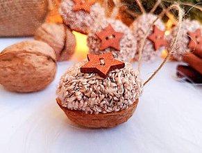 Dekorácie - Vianočné orechy ružové s hviezdičkou - 11095901_