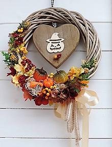 Dekorácie - Jesenný veniec so srdiečkom - 11099431_