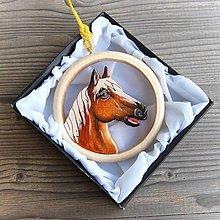 Dekorácie - Drevený Kôň Závesná dekorácia - 11099589_