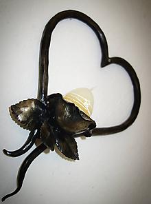 Dekorácie - Srdce s ružou - svietnik - 11100520_