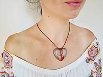 Náhrdelníky - Zlomené srdce- Drevený náhrdelník - 11100559_