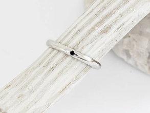 Prstene - 925/1000 Strieborný prsteň zásnubný s prírodným čierným diamantom - 11103731_