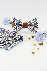Doplnky - Elegantný kvetinový motýlik s vreckovkou zo 100% ľanu - 11103052_