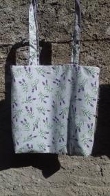 Nákupné tašky - Obojstranná levandulova taška sa malou peňaženkou na mince - 11102402_