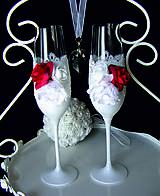 Nádoby - Svadobné poháre s čipkou a kvetmi(červené) - 11102349_