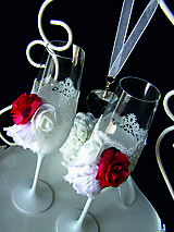 Nádoby - Svadobné poháre s čipkou a kvetmi(červené) - 11102353_