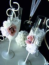 Nádoby - Svadobné poháre s čipkou a kvetmi (hnedé) - 11102401_