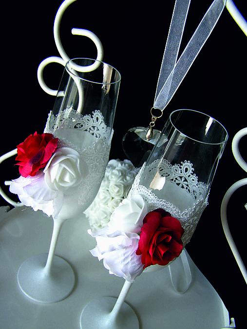 Svadobné poháre s čipkou a kvetmi(červené)