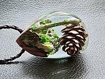 Zamrznutá šiška- Drevený náhrdelník