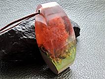 Náhrdelníky - Strom v jeseni- Drevený nahrdelník - 11103693_