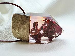 Náhrdelníky - Tajomná rastlina- Drevený nahrdelník - 11103655_