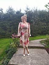 Šaty - Dámske kvetované šaty - 11102047_