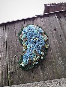 Dekorácie - spomienkový veniec - slza (modrotyrkysová) - 11106729_