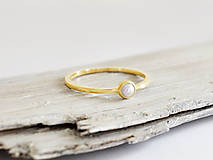 Prstene - 14k zlatý prsteň s prírodnou perlou - 11107349_