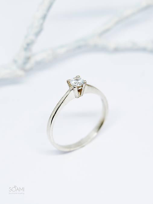 Prstene - 585/1000 zlatý prsteň zásnubný s prírodným diamantom 3,4mm (biele zlato) - 11106578_