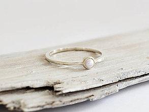 Prstene - 925 Strieborný prsteň s prírodnou perlou - 11107304_