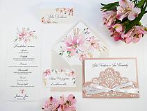 Papiernictvo - Svadobné oznámenie Elise s vyrezávanou kapsičkou - 11106679_