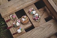 Náhrdelníky - Kvetinová retiazka - 11109211_