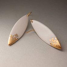 Náušnice - porcelánové náušnice ∣ zlato, pozlátený háčik - 11106820_