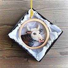 Dekorácie - Drevená Krava - Závesná dekorácia - 11106722_