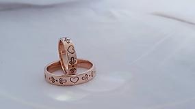 Prstene - Rozprávkové obrúčky (ružové zlato) - 11108299_