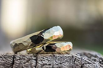 Prstene - Obrúčky srdcom tepané /polguľaté zo zlata/ (Žltá) - 11111069_