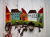 Nábytok - Domčekový vešiak - 11110121_
