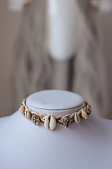 Náhrdelníky - Choker náhrdelník s mušličkami z kolekcie - 11112214_