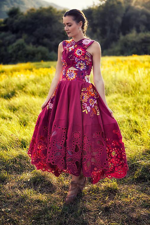 šaty s prekrížením Poľana