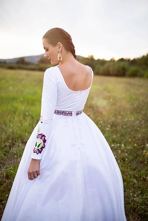 biele šaty s dlhým rukávom Poľana