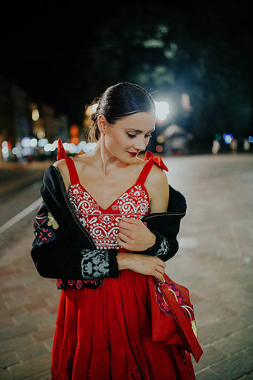 červené ľanové šaty Poľana