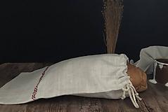 Úžitkový textil - Ľanové vrecko na chlieb s ručnou výšivkou - 11112782_