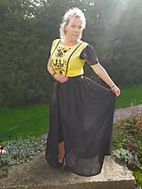 Šaty - Ručne vyšívané šaty na ples - 11115319_