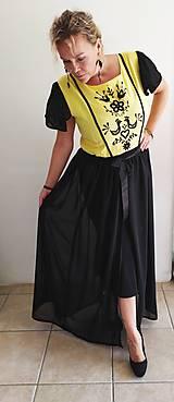 Šaty - Ručne vyšívané šaty na ples - 11115323_
