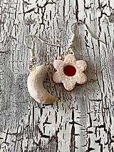 Náušnice - linecký kvietok a vanilkový rožtek - 11114199_