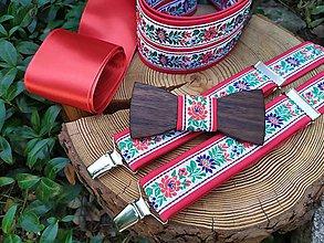 Doplnky - Folklórny set - pánsky drevený motýlik, traky a dámsky opasok - 11119640_