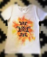Tričká - Maľované dámske tričko s ornamentom - 11121100_